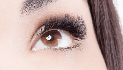 Add-Volume-to-Lashes